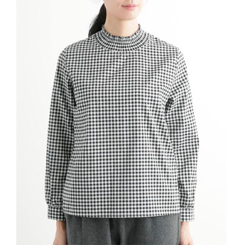 [north object de petit…]  gingham check shirring neck pullover blouse / black